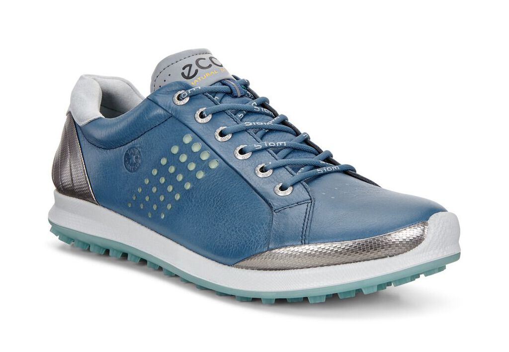 ECCO designs for men and women are famously sleek, durable and comfortable. Shop your favorite ECCO boots and shoes on sale at Footwear etc. today.